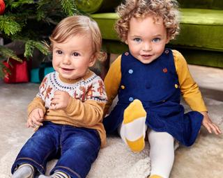Fröhlich festliche Babykleidung